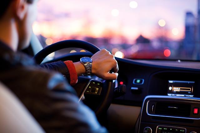 Podľa čoho by ste si mali vybrať autoškolu
