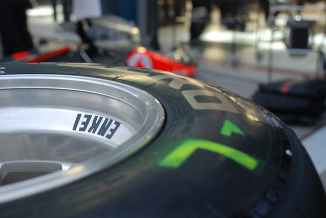 Vhodný regál na uskladnenie pneumatík – podľa čoho ho vybrať?