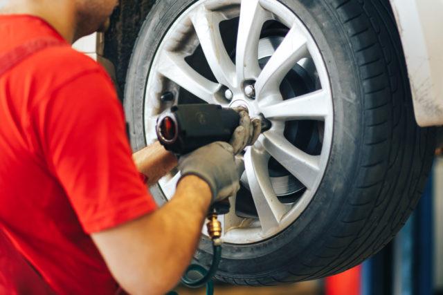 Kedy a prečo sa oplatí prezuť na letné pneumatiky?