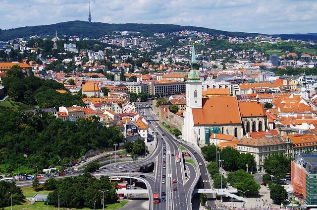 Idete na majstrovstvá sveta v hokeji v Bratislave a chcete byť lowcost?