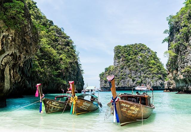 Ostrov Phuket a jeho tisíc odtieňov krásy